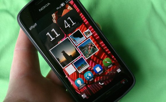 Nokia 808 default homescreen