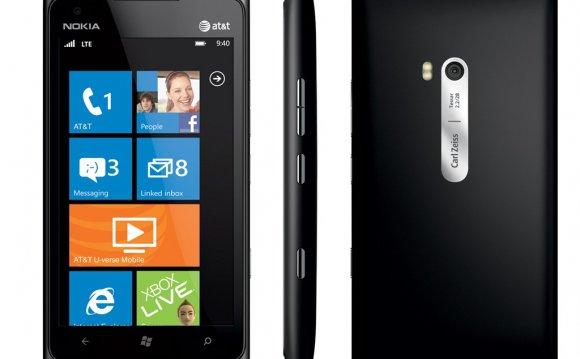 Nokia Lumia 900 Price in